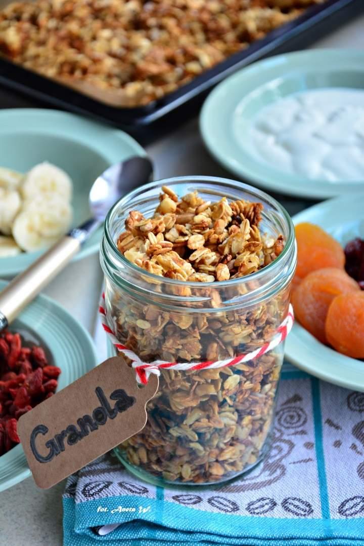 Granola – sposób na śniadanie w 5 minut