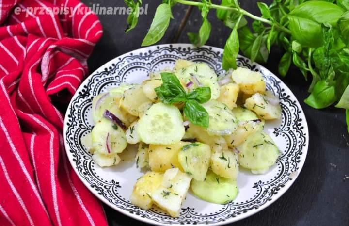 Wiosenna sałatka z młodych ziemniaków