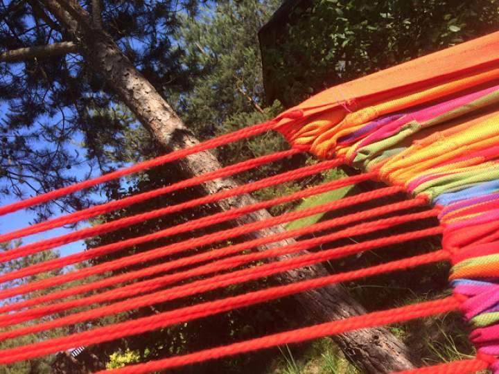 Błogi relaks we własnym ogrodzie – hamaki Koala Hammock