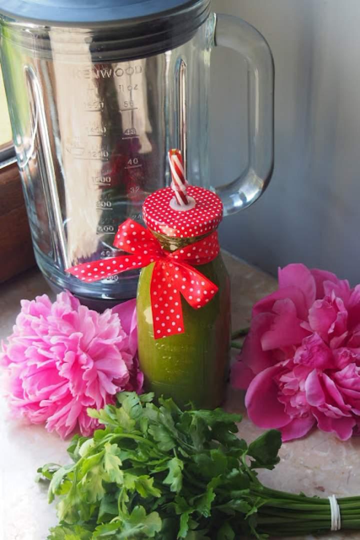 Zielony koktajl – marchew, pietruszka, banan