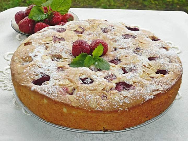 Ciasto migdałowo- truskawkowe