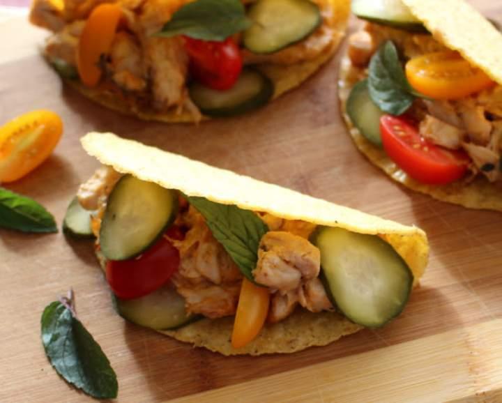 Tacos z kurczakiem i sosem kebab gyros