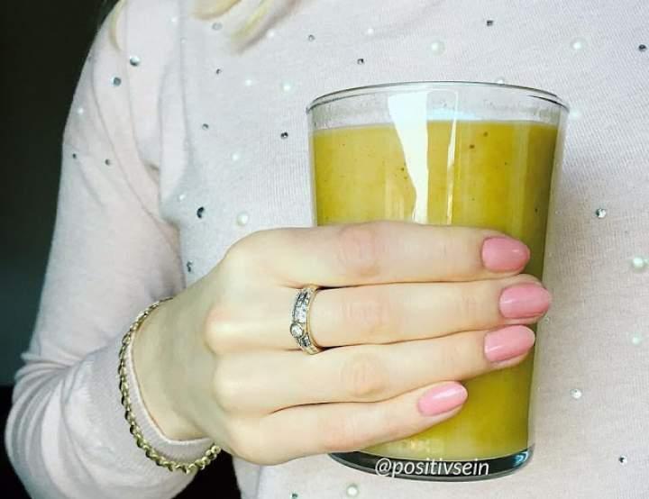 gruszka + grejpfrut + sałata lodowa + olej lniany + baobab + maca