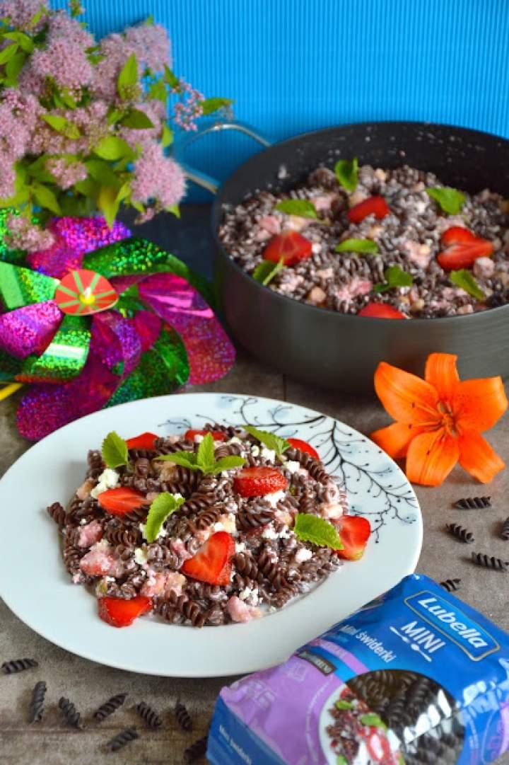 Czekoladowy makaron truskawkovelove