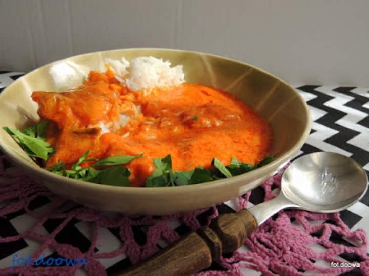 Pomidorowe rybne curry