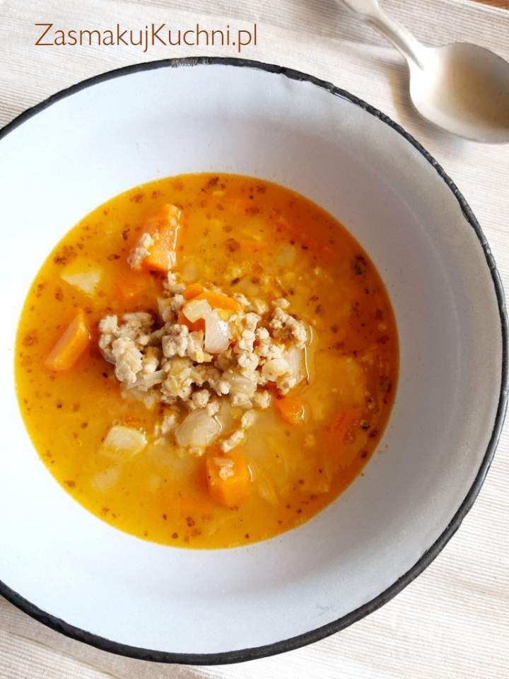 Zupa cebulowa z mięsem mielonym