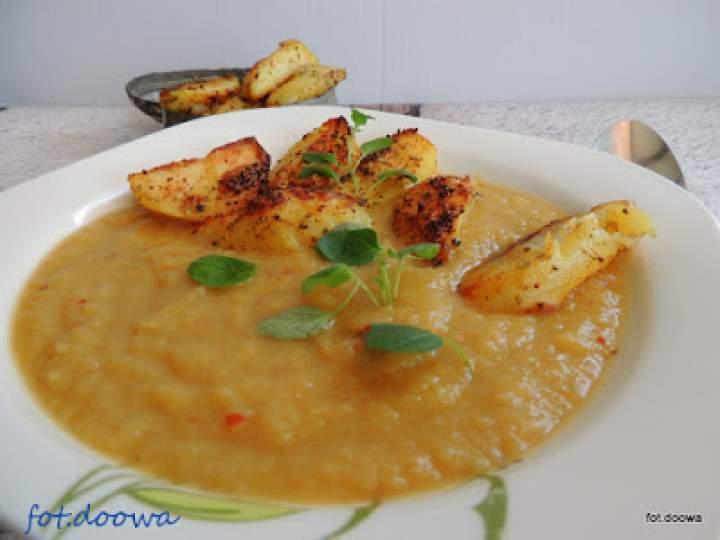 Zupa krem z topinamburu i pasternaku z chrupiącymi ziemniakami