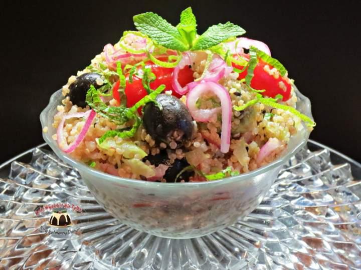 Sałatka z komosy ryżowej i awokado