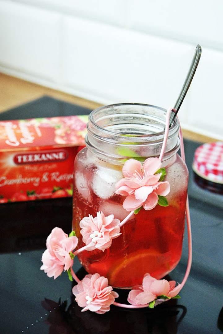 Owocowa mrożona herbatka