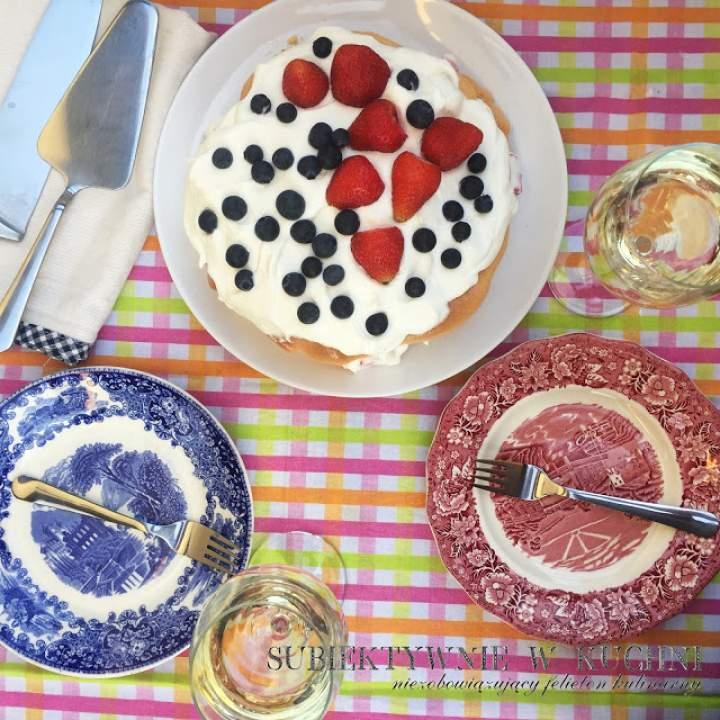 Letni tort bezowy