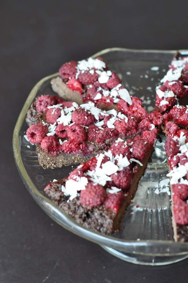 Czekoladowe ciasto z malinami (bezglutenowe)