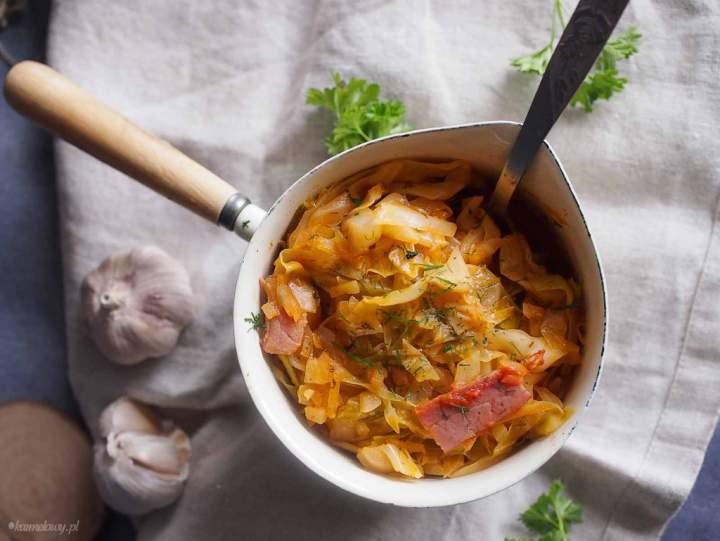 Młoda kapusta z boczkiem / Young cabbage with bacon