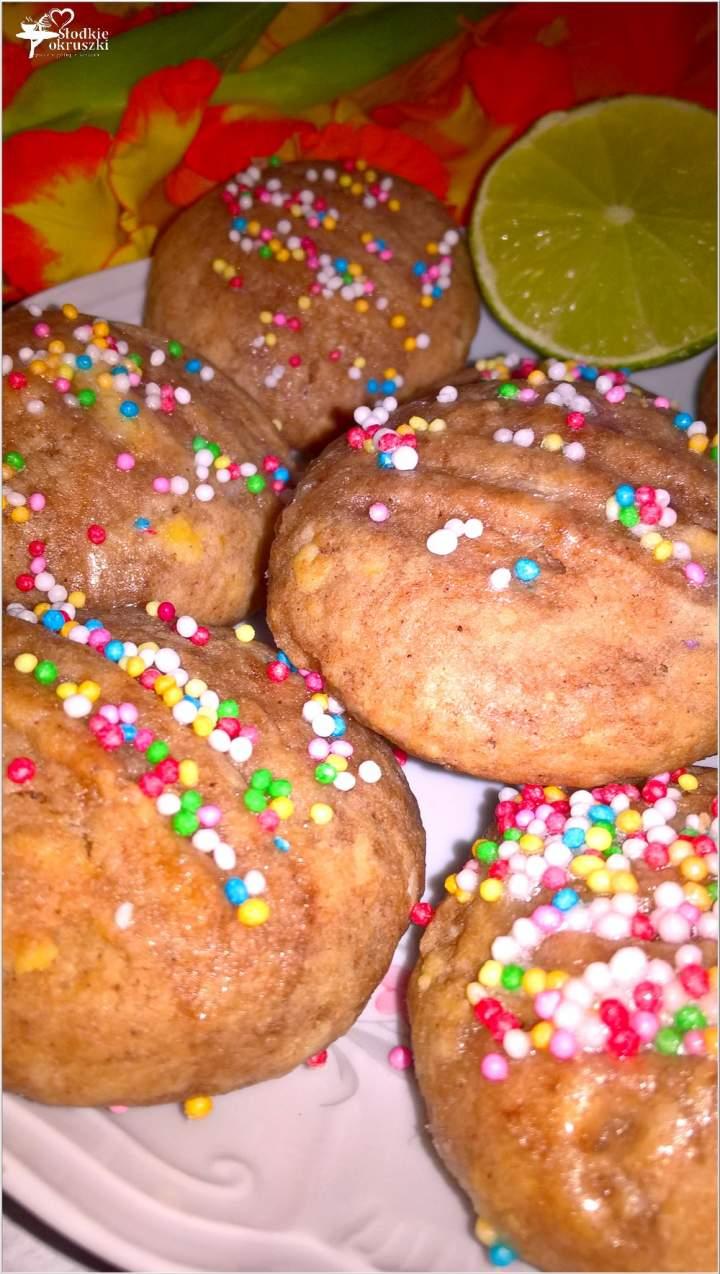 Szybkie czekoladowe ciasteczka z limonkową nutą