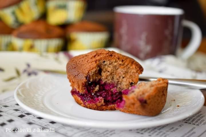 Gryczane muffiny z jeżynami