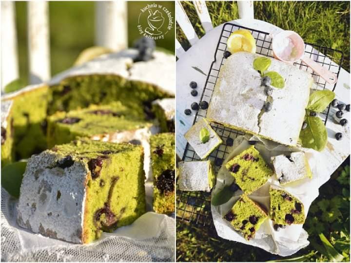 Ciasto szpinakowe z borówkami
