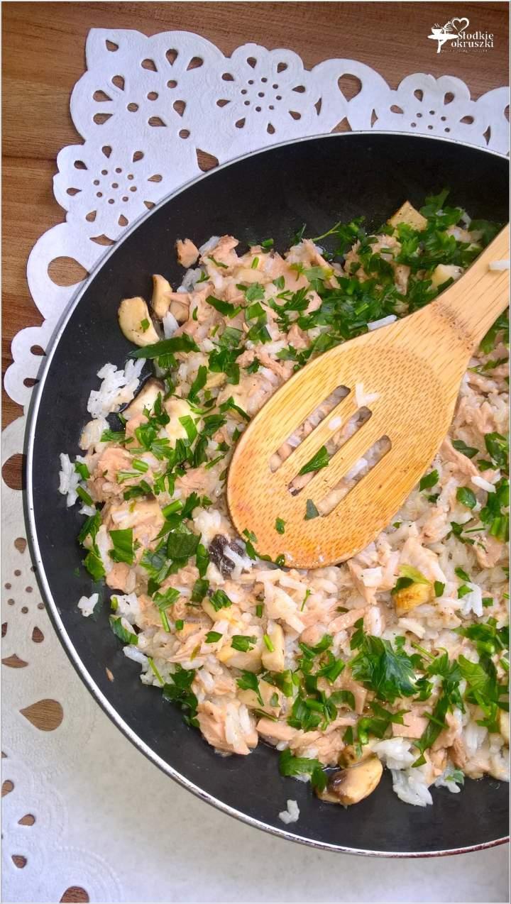 Szybki ryż z tuńczykiem i pieczarkami