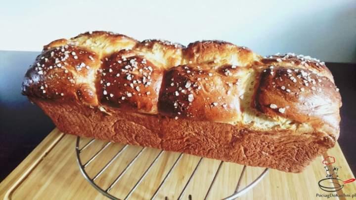 Puszysty chleb pszenny mleczny