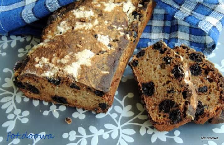 Chleb na zakwasie z suszonymi wiśniami