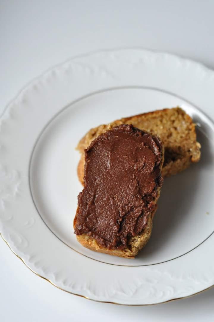 Najprostszy czekoladowy krem z ciecierzycy