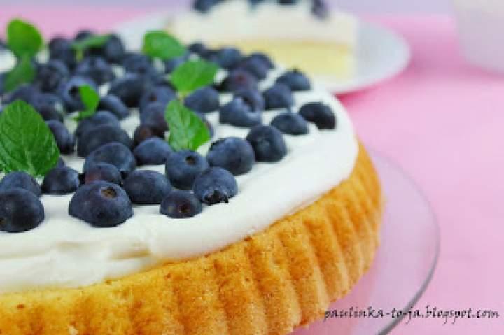 Tarta biszkoptowa z owocami