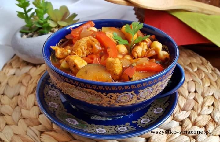 Pikantna potrawka z cieciorką i kurczakiem