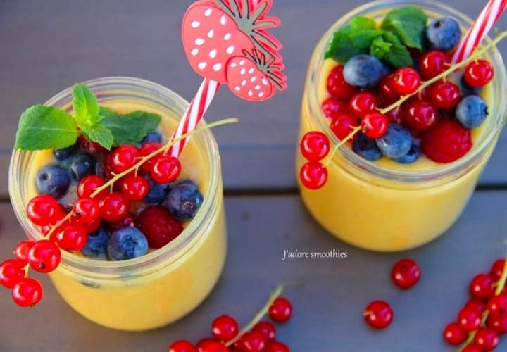 mango + banan + sok z pomarańczy i jabłek