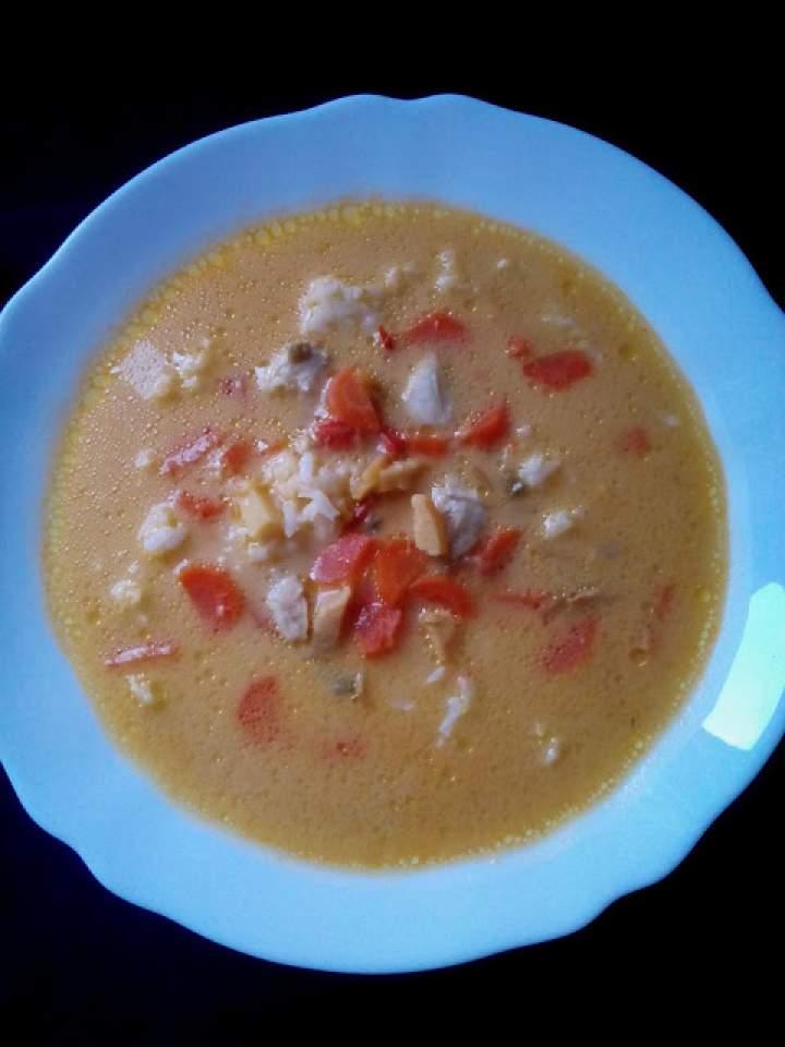 Zupa curry z kurczakiem, pędami bambusa i mlekiem kokosowym