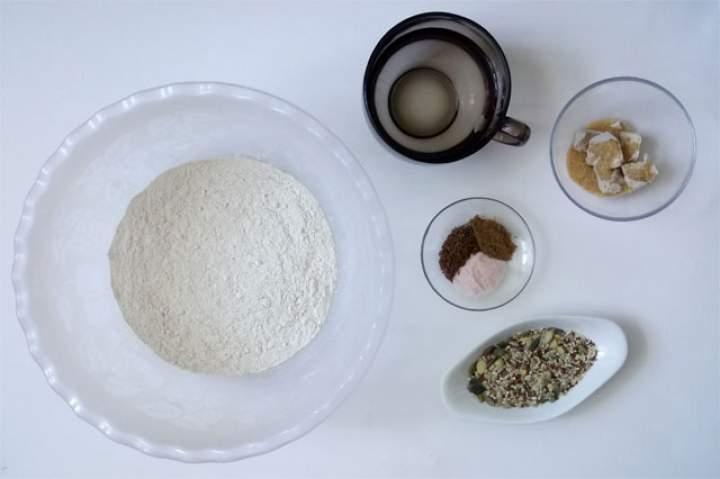 Chleb bezglutenowy bez jajek i mleka – prosty, domowy przepis