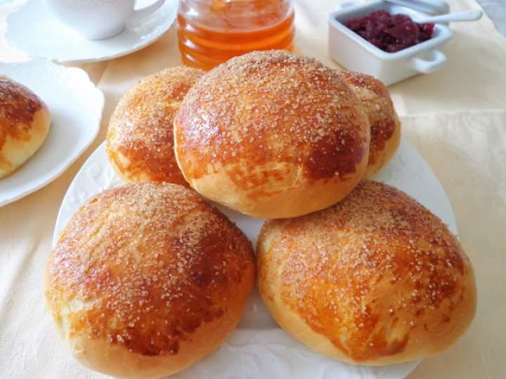 Z cyklu: Domowe pieczywo – Mleczne słodkie bułeczki (Panini al latte)