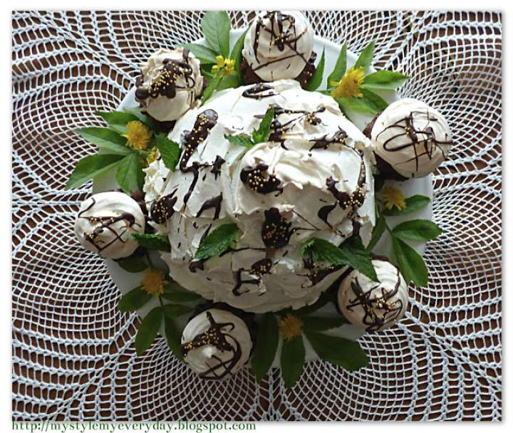 Babeczki czekoladowe z bezą
