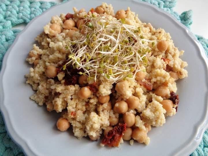 Sposób na obiad- jaglana potrawka z kremem bakłażanowym + moc lucerny