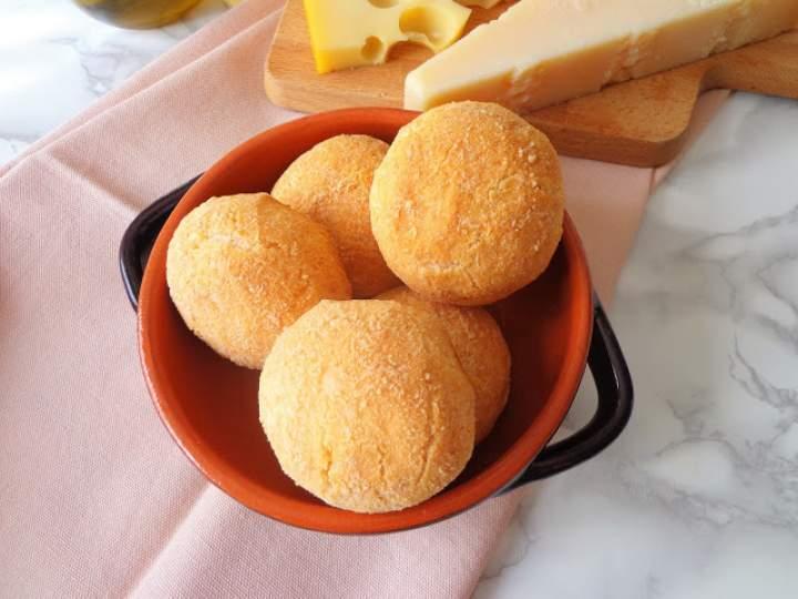 Z cyklu: Domowe pieczywo – Serowe bułeczki z tapioki, bez glutenu (Panini al tapioca, senza glutine)