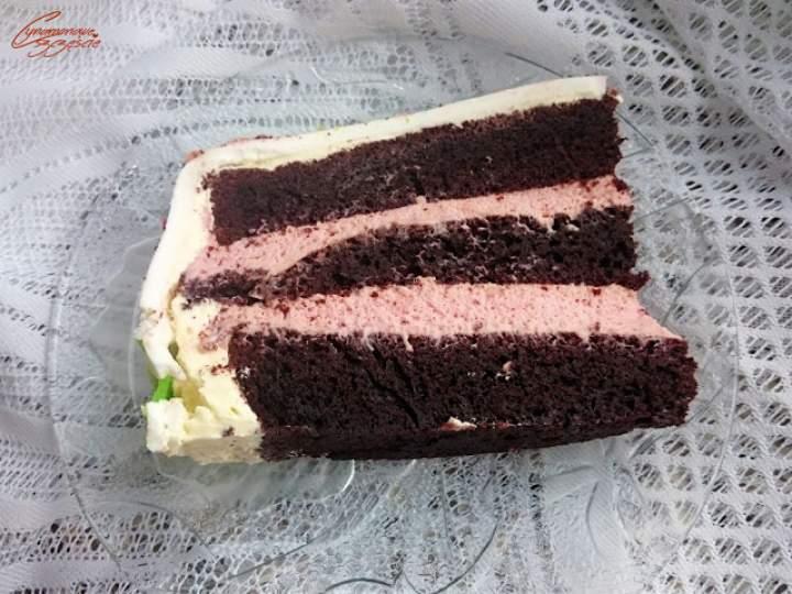 Tort czekoladowo truskawkowy – 3 urodziny bloga