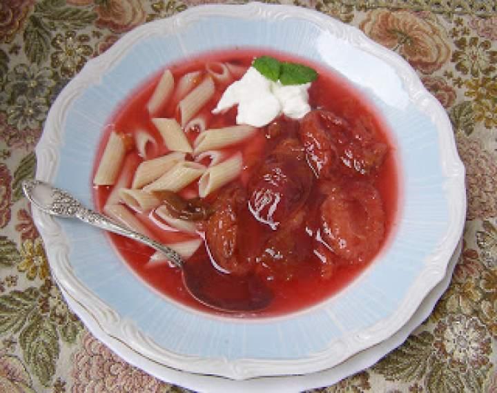 śliwkowa zupa z makaronem…
