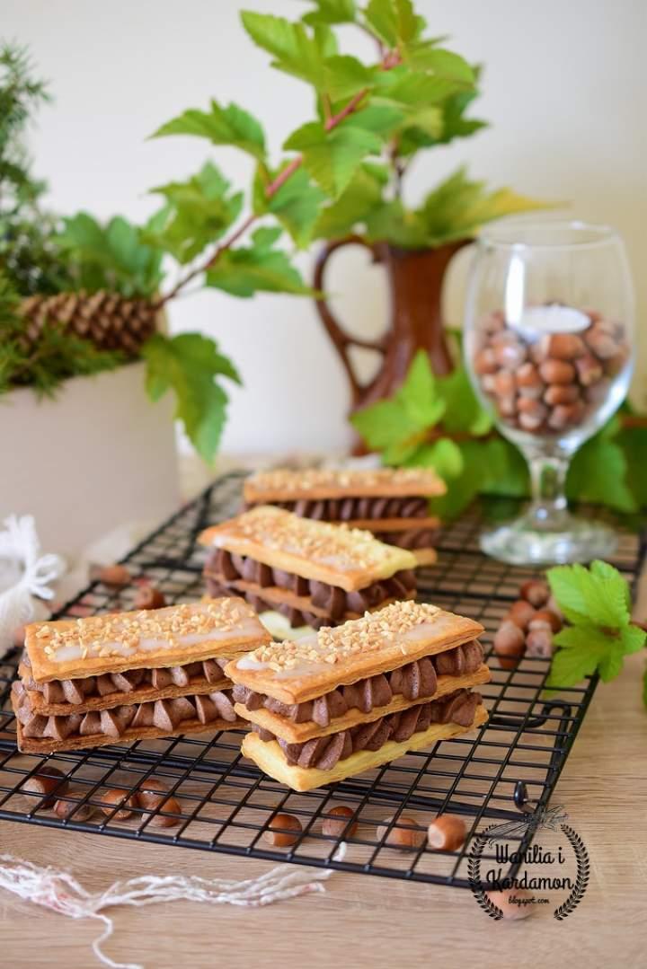 Millefeuille z kremem czekoladowym