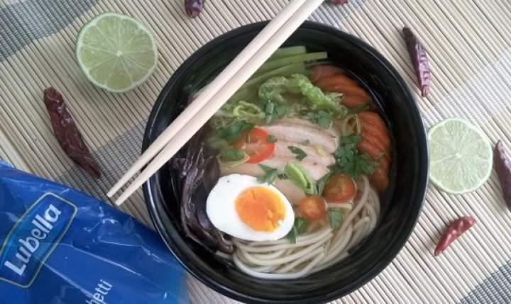 Rozgrzewająca, Japońska zupa Ramen