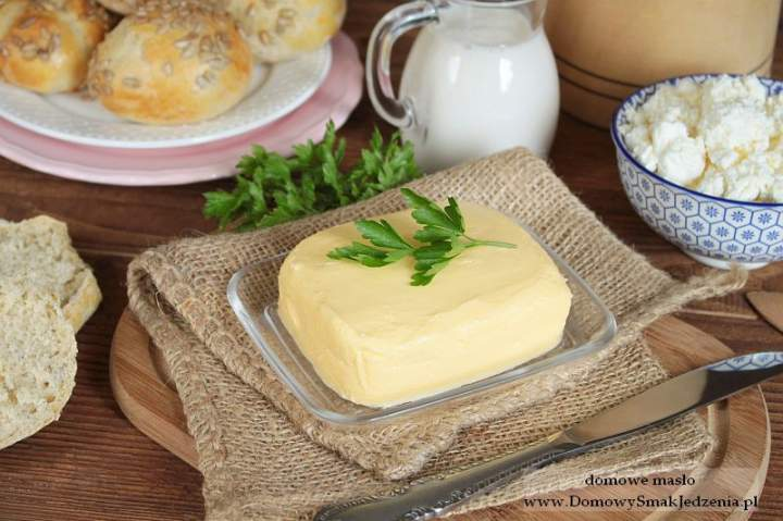 domowe masło + maślanka gratis ;)
