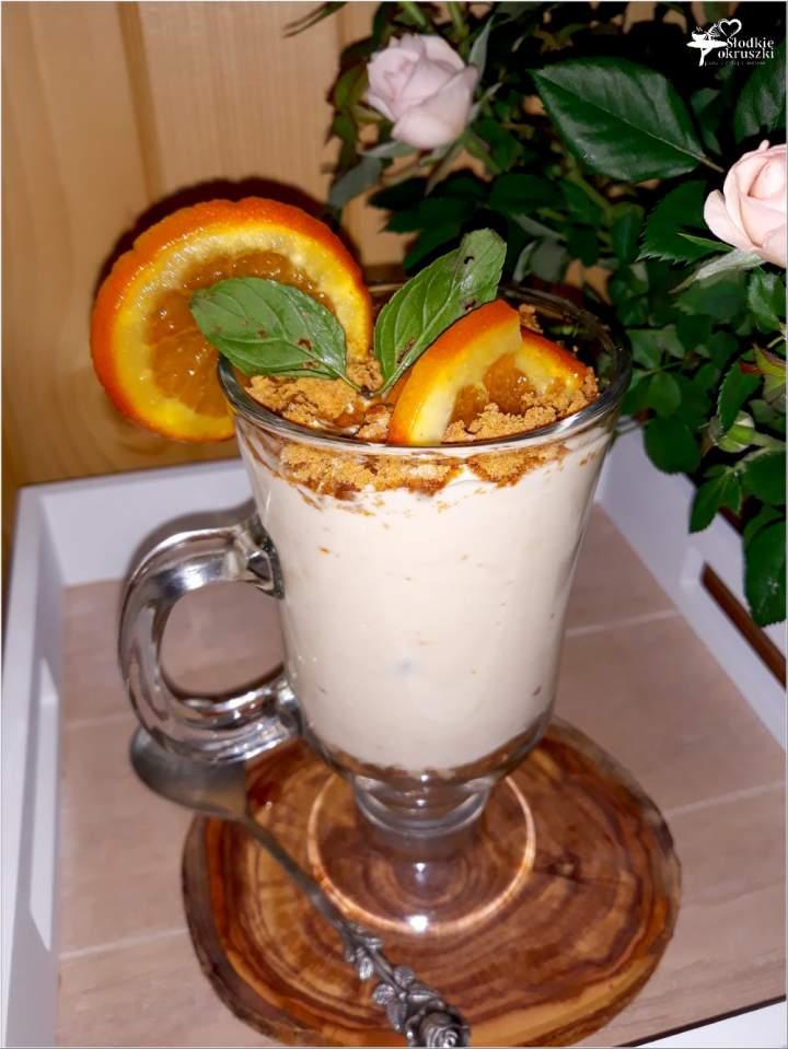 Kremowy deser kokosowo sernikowy (z żurawiną i pomarańczą)