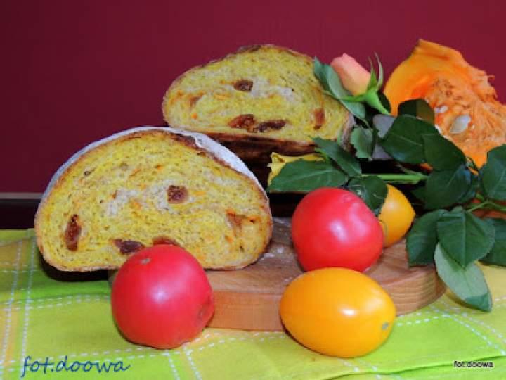 Jesienny chleb z dynią i figami