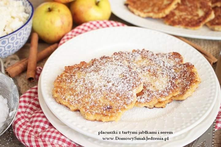 placuszki z tartymi jabłkami i serem