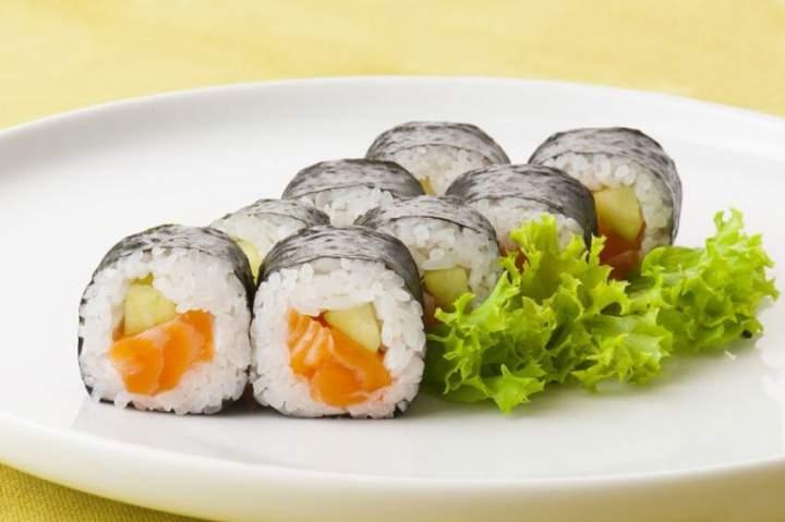 Etykieta jedzenia sushi – jakich błędów koniecznie unikać