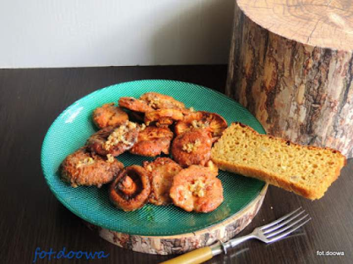 Rydze smażone na maśle z karmelizowanym czosnkiem