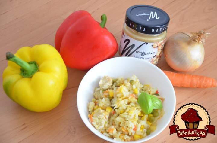 Risotto z warzywami, kurczakiem i pastą Wawrzyniec