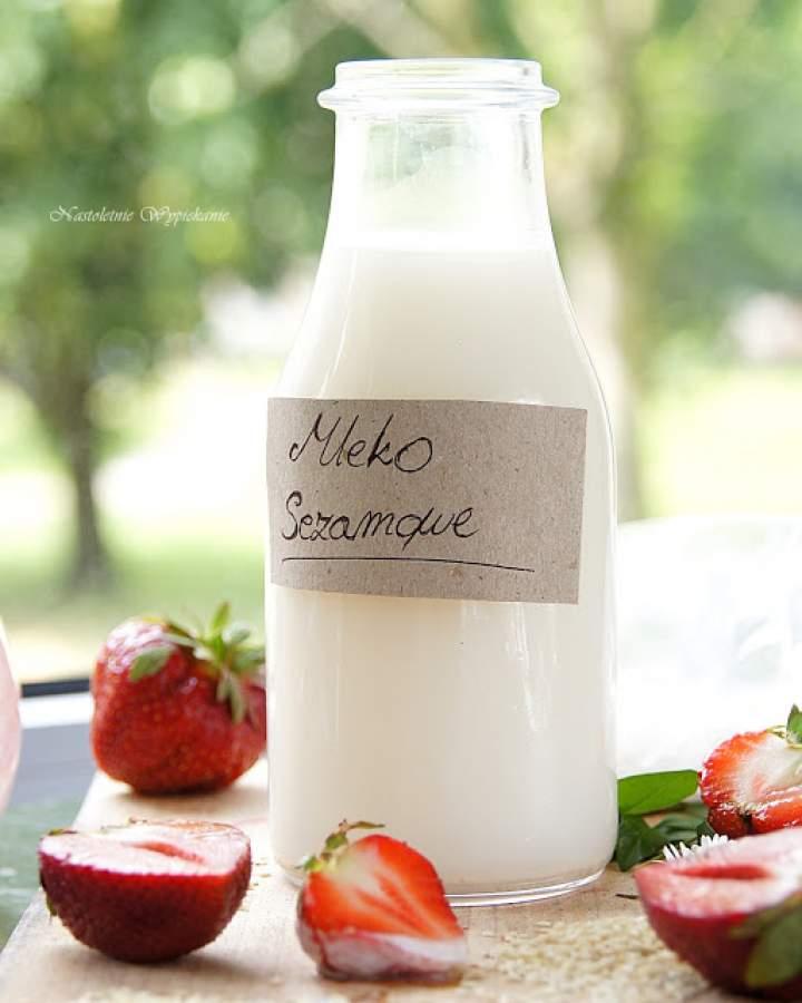 Domowe mleko sezamowe