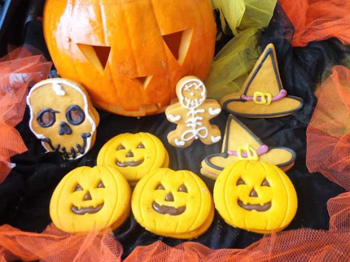 Z cyklu: Dla dzieci – Dyniowe ciasteczka na Halloween (Biscotti di zucca per Halloween)