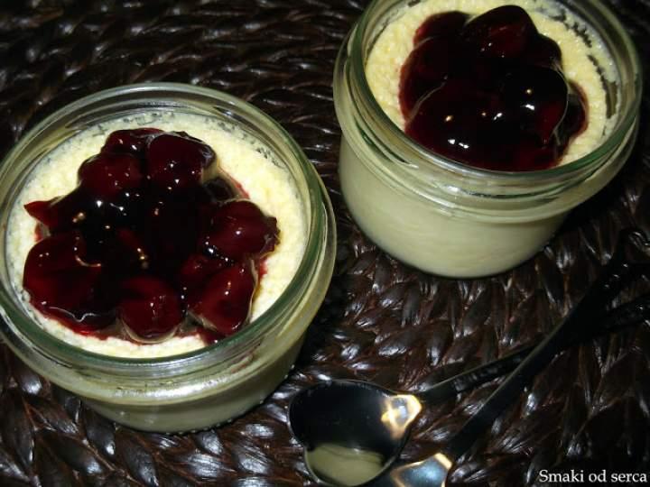 Serniczki pieczone z wiśniami