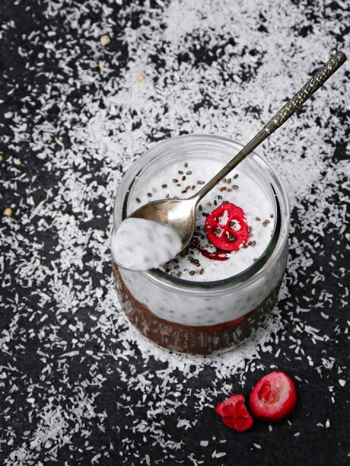 Kawowy pudding z kokosową śmietanką i chia (VEGAN)