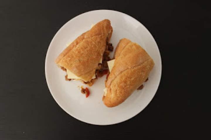 Amerykańska kanapka Sloppy Joe