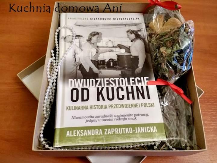 """""""Dwudziestolecie od kuchni. Kulinarna historia przedwojennej Polski"""""""