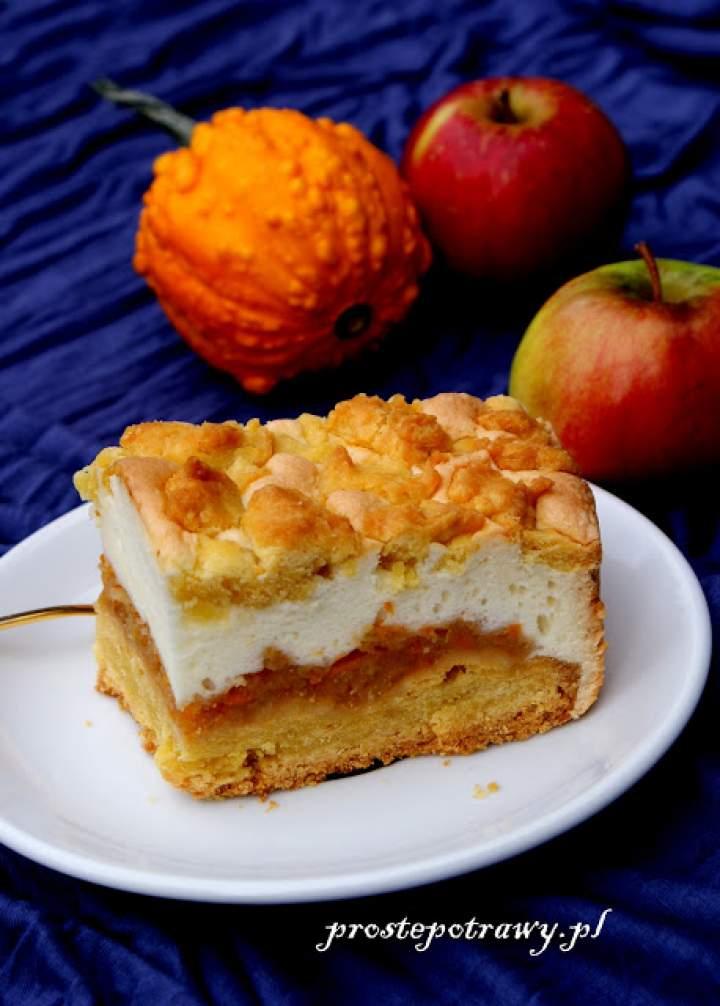 Kruche ciasto jabłkowo- dyniowe z pianką.